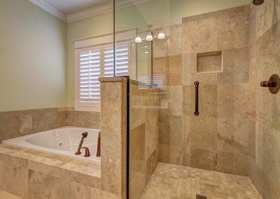 bathroom-389262_640-min